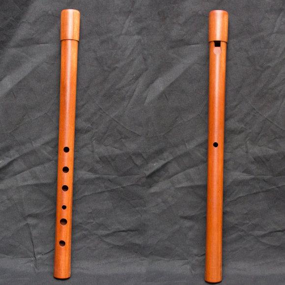 Glatte Woodwhistle aus Pflaumenholz in C