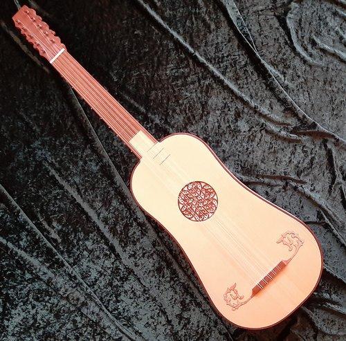 Baroque guitar incl. bag